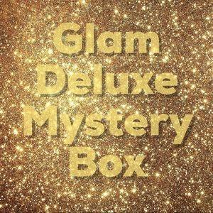 A glam design fashion mystery box 📦